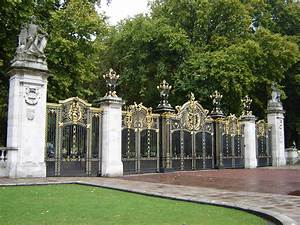 Parks In London : file canada gate green park london wikipedia ~ Yasmunasinghe.com Haus und Dekorationen