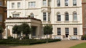 Clarence House - Sightseeing - visitlondon.com