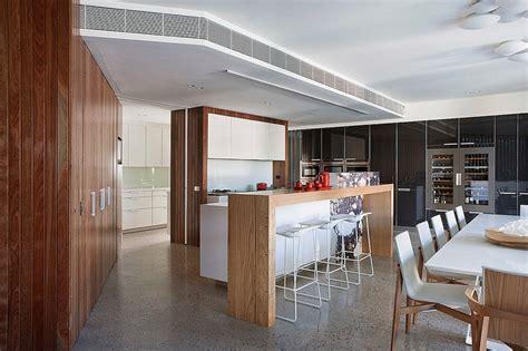 cuisine maison bois maison contemporaine bois béton par bg architecture