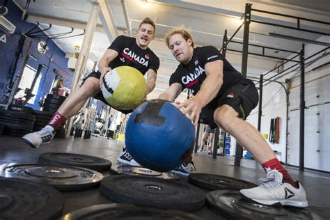 Crossfit Showdown Exercise In Strength And Determination