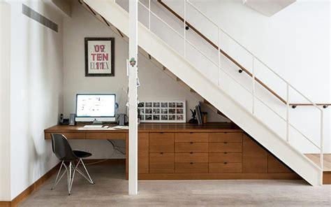 consejos  usar el espacio bajo la escalera tips
