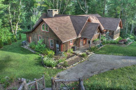 beech mountain cabin rentals heavenly retreat 950 country living vacations banner elk