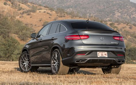 From the outside, the heavily contoured power dome design hints at the immense power delivery. Mercedes-Benz GLE-Class Coupe AMG 63 S 4MATIC 2018   SUV Drive