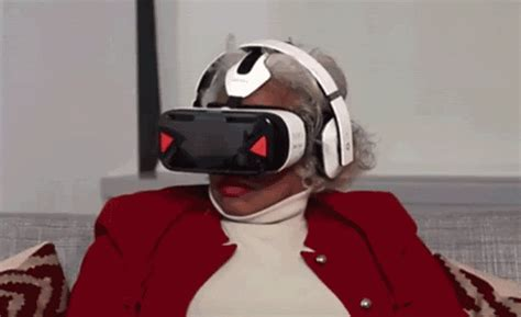 It Should Be Illegal to Watch Old People React to Virtual