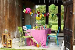 Beleuchtung Für Gartenparty : gartenparty mit der richtigen deko kommt stimmung auf planungswelten ~ Markanthonyermac.com Haus und Dekorationen