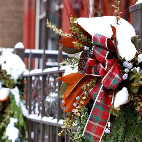 festive   fussy ways  decorate  plants