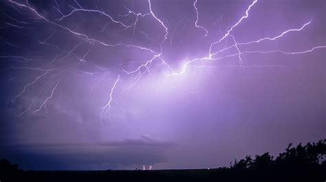 lightning bolt record breaking lightning bolt lit up oklahoma science aaas