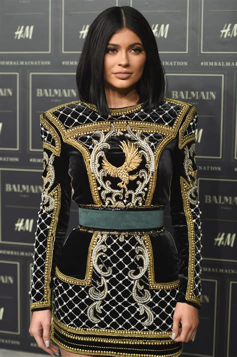 Kylie Jenner Wears Hair Tattoo & Effectively Starts A New ...