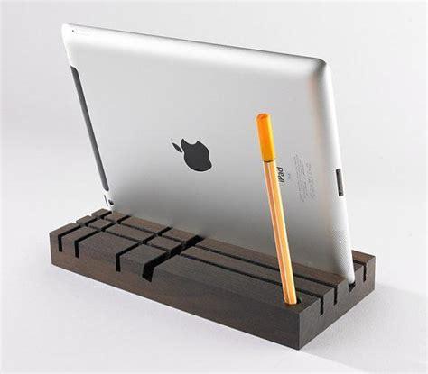 tablet stand for desk tobago wood desk organizer and tablet stand gadgetsin