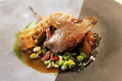 cuisiner pigeon pigeon aux petits pois recettes a cuisiner le