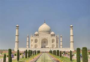The History and Love Story of the Taj Mahal