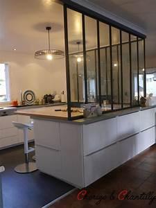 Plan de travail en hetre pour la partie repas la for Petite cuisine équipée avec meuble de salle a manger blanc