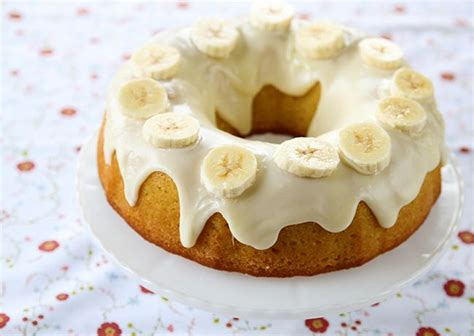 banana pudding cake  cream cheese glaze
