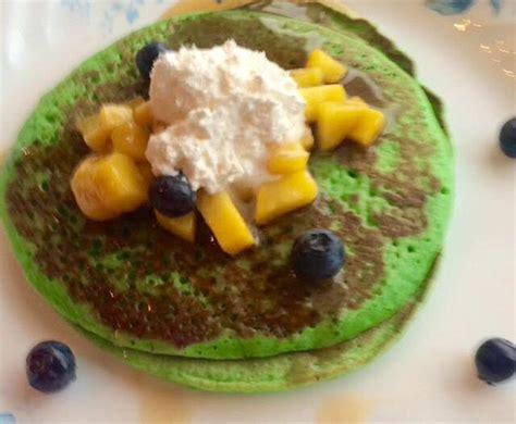 To make the pancake mix; Malaysian Pandan pancakes with palm sugar and coconut stuffing   Recipe   Recipes, Food, Yummy ...