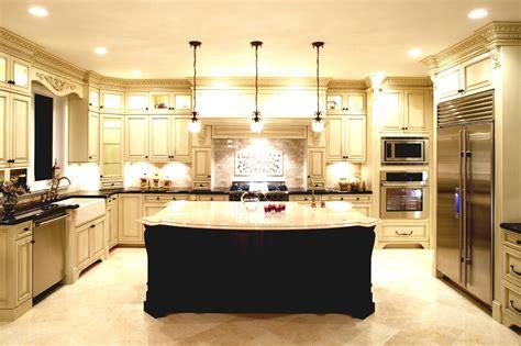 apply    shaped kitchen layout  island