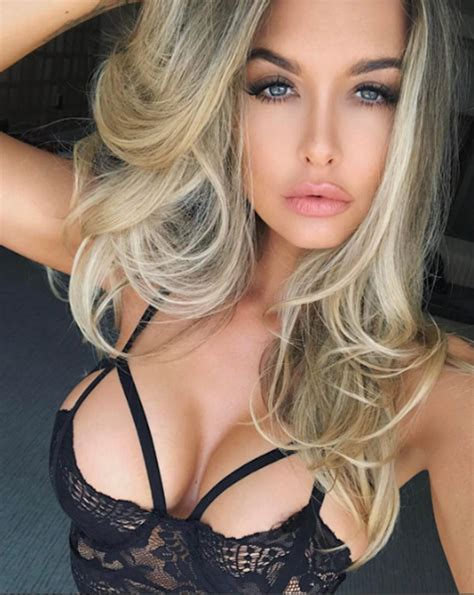 Emily Sears Sexy Big Boobs Photos Hot And Sexy Celebrities