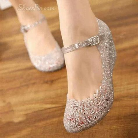 pin de jojo em pretty shoes pantofi incaltaminte  rochii