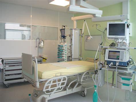 chambre de service une des 18 chambres du service de réanimation médicale