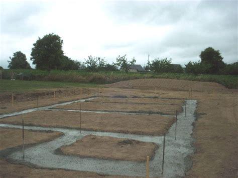 ferraillage des fondations et coulage du b 233 ton construction d une maison en bois