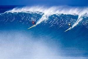 Waimea Bay waves are huge! - Mark A. Johnson's Photography ...