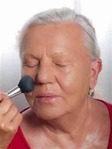 Make Up Für Reife Haut : make up f r reife haut ab 50 schminktipps anleitung so geht 39 s ~ Frokenaadalensverden.com Haus und Dekorationen