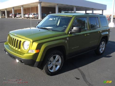 dark green jeep patriot 2012 jeep patriot latitude 4x4 in rescue green metallic