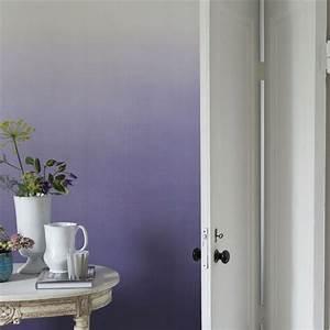 wandgestaltung im wohnzimmer 85 ideen und beispiele With markise balkon mit lila tapete