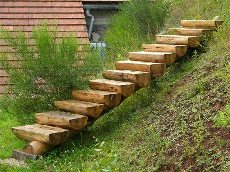 des idees descalier en bois pour le jardin bricobistro