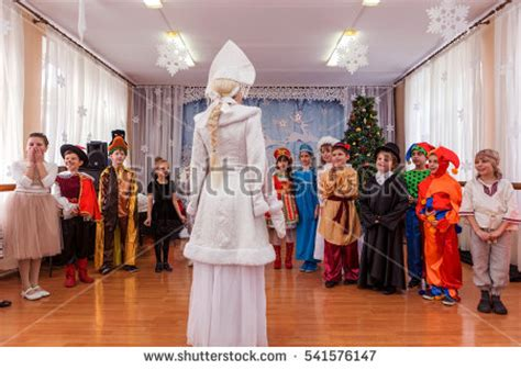 santa claus with maiden in bright clothes stock washington august 24 2014 image tourists stock photo