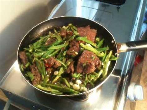 cuisiner du boeuf cuisiner du foie de boeuf aux poivrons recette foie de boeuf