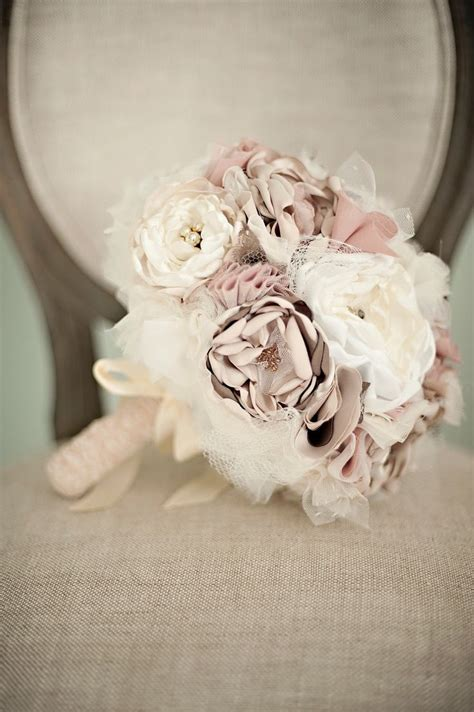 wedding bouquets for 17 best images about wedding flowers on fabric 8512