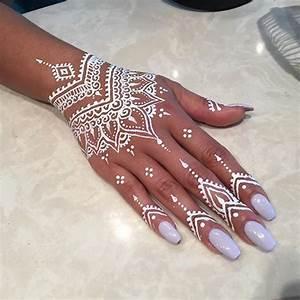 Weißes Henna Tattoo : sadieschriftman henna henna henna tattoo vorlagen und tattoo ideen ~ Frokenaadalensverden.com Haus und Dekorationen