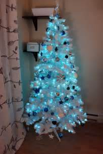 luhivy 39 s favorite things 12 days of my tree silver blue and white