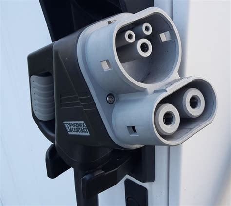 electric car charging plugs  beta  vhs battle