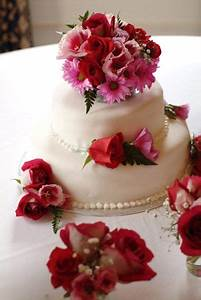 Decorate Cakes With Fresh Flowers by colorfulcandies