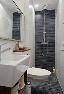 tiny bathrooms ideas best 25 small narrow bathroom ideas on