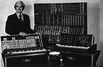 Electronic musical instrument - Wikipedia
