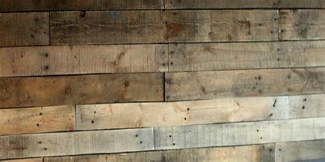 remodelaholic diy pallet wood wall   bathroom