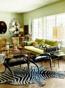 benjamin moore  color   year guilford green