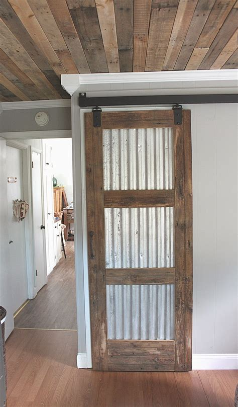 Maple Leaves & Sycamore Trees Closet Barn Door (ohand Hi