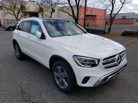 Explore the glc 300 4matic suv, including specifications, key features, packages and more. New 2021 Mercedes-Benz GLC 300 4MATIC SUV | Polar White 21-266
