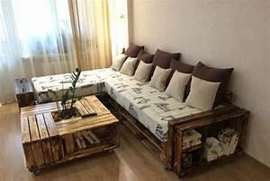 Sofa Aus Paletten Matratze : ein palettensofa selberbauen so leicht geht es ~ A.2002-acura-tl-radio.info Haus und Dekorationen