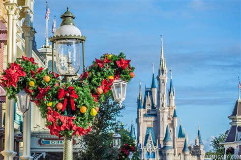 photos christmas decorations pop up on main street usa at