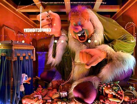walt disney world christmas decorations