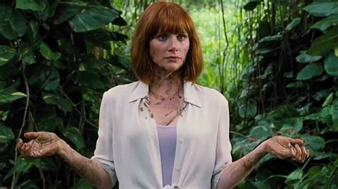 jurassic world actress hot videos jurassic world deleted scene dino poop 2015 jurassic