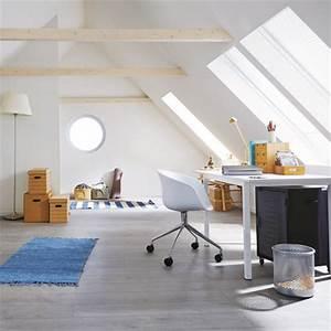 Schreibtisch Im Schlafzimmer : unterm dach schlafzimmer mit schr gen einrichten ~ Sanjose-hotels-ca.com Haus und Dekorationen