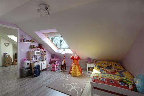 chambre sous les combles chambre d enfant sous comble combles d 39 en