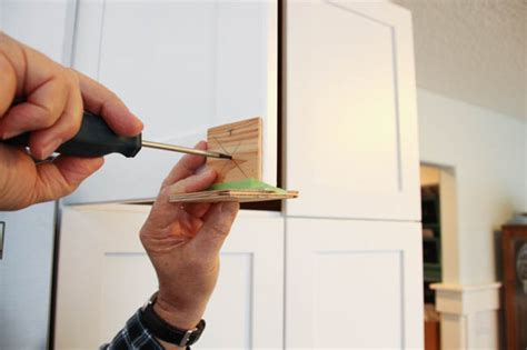 Diy Cabinet Knob Template by How To Install Cabinet Knobs With A Template A Trick For
