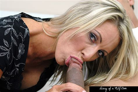 Milf Emma Starr Fucking In The Bedroom With Her Piercings