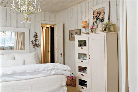 Bedroom Decorating Ideas Cottage by Cottage White Master Bedroom Decorating Ideas Southern